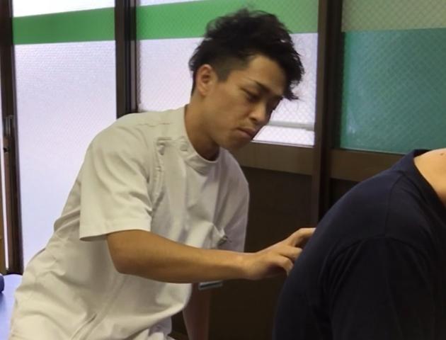 肩こり、腰痛のための背骨の矯正(胸椎)、骨盤矯正 名古屋市東区 天仁接骨院