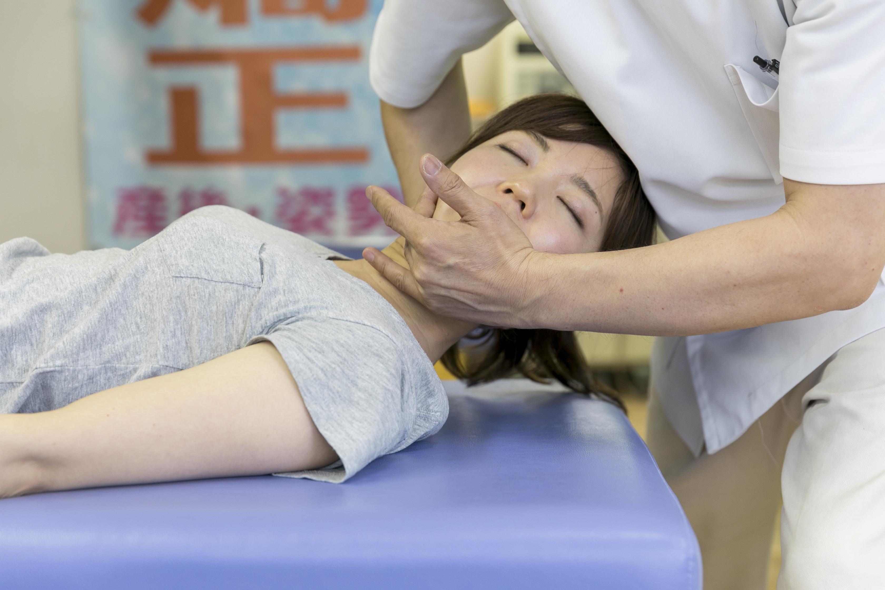 【首の痛み、疲れ】首の痛みや疲れを取るのに効果的な体操は? 名古屋市東区 天仁接骨院・天仁鍼灸院